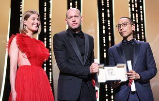 Rosamund Pike, Nadav Lapid (Ha'berech (Ahed's knee)) and Apichatpong Weerasethakul (Memoria) - Prix du Jury (Ex-æquo)