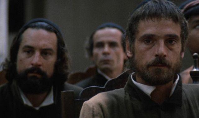 Robert De Niro和Jeremy Irons ,《大失踪》剧照,Costa-Gavras导演