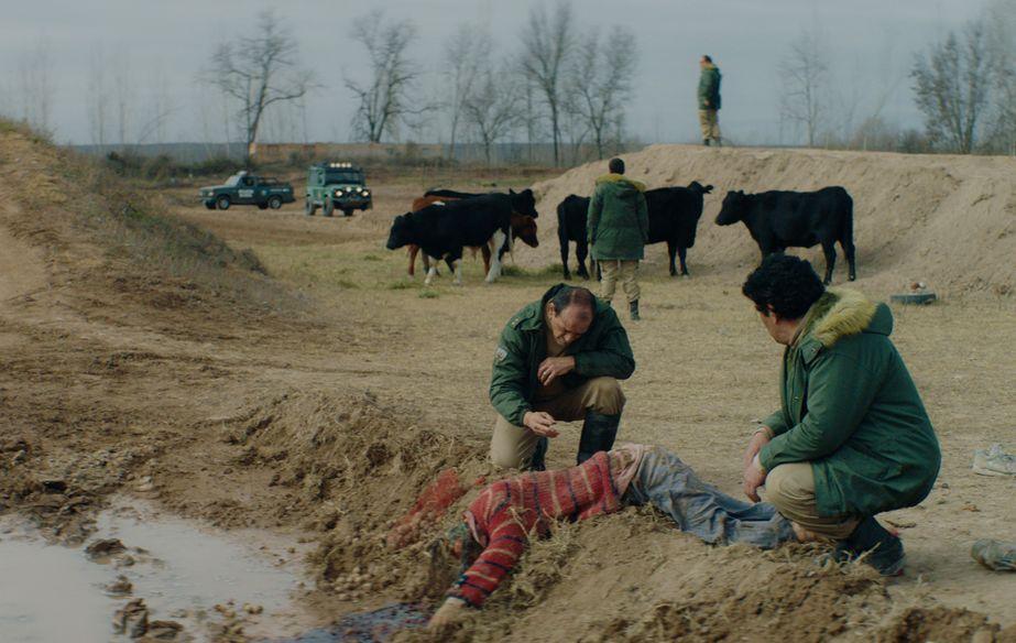Film still of Muere, Monstruo, Muere  (Murder Me, Monster)